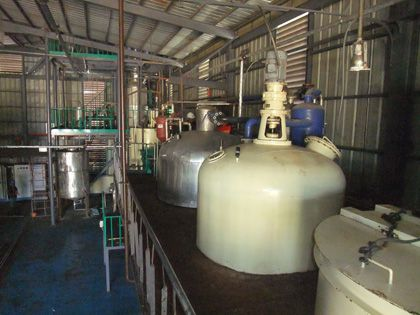 semi-continuous oil refinery process